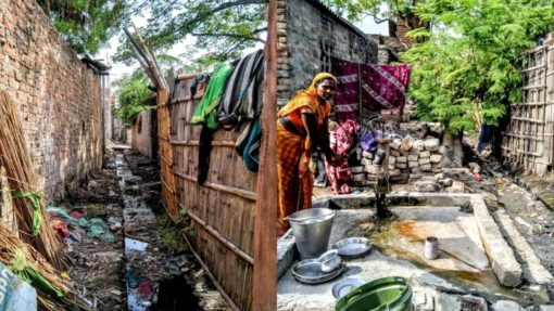 India's Caste-Aways: Bettiah's Doms, Mehtars Weave Bamboo, Scavenge Human Excreta for a Living