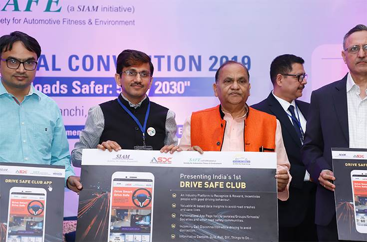 SIAM launches safe driver incentive app at MoRTH event
