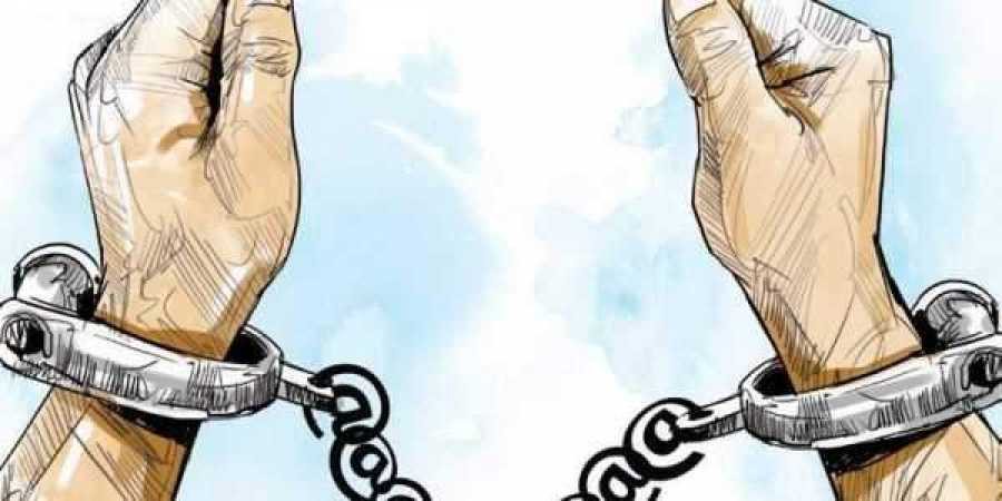 Inter-state gang of gold robbers busted in Bihar, firearms, hemp recovered